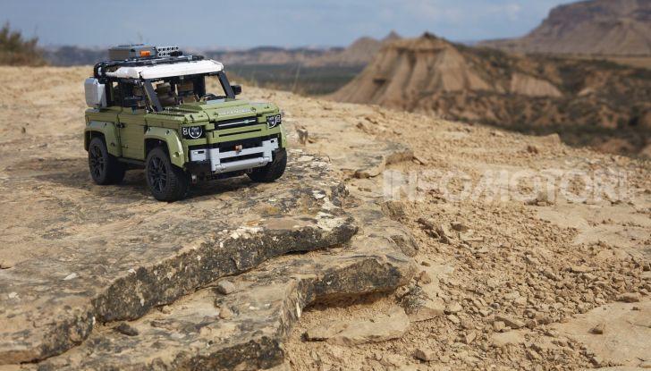 Land Rover Defender LEGO Technic in vendita dal 1 ottobre a 179€ - Foto 10 di 13