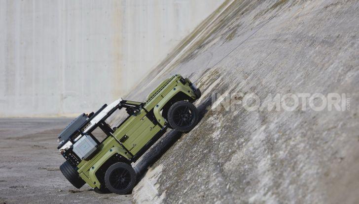 Land Rover Defender LEGO Technic in vendita dal 1 ottobre a 179€ - Foto 8 di 13