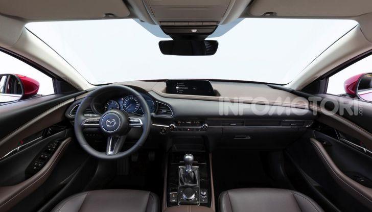 [VIDEO] Prova su strada Mazda CX-30: la giusta misura al crossover giapponese - Foto 33 di 43