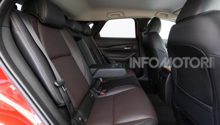 [VIDEO] Prova su strada Mazda CX-30: la giusta misura al crossover giapponese - Foto 34 di 43