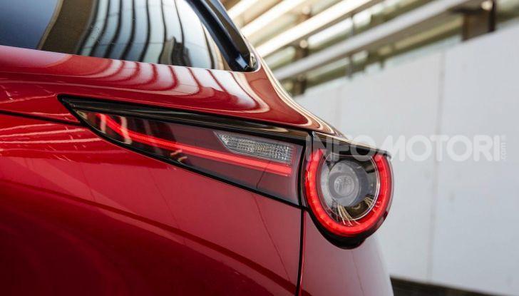 [VIDEO] Prova su strada Mazda CX-30: la giusta misura al crossover giapponese - Foto 41 di 43