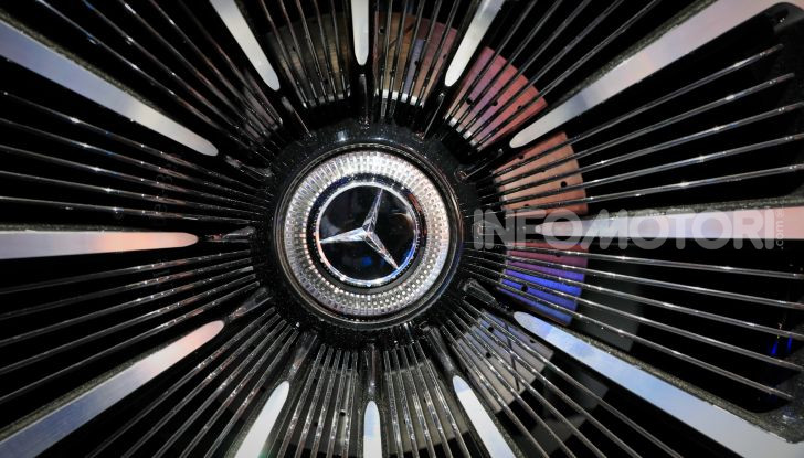 Mercedes-Benz Vision EQS: eleganza, tecnologia e prestazioni full electric - Foto 17 di 30