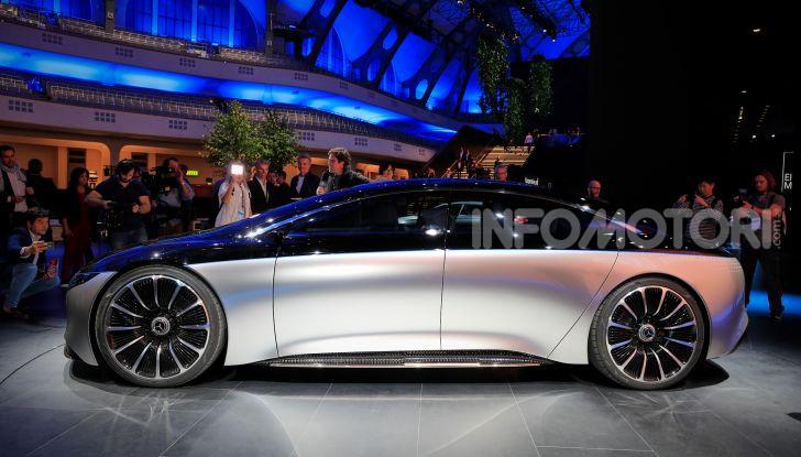 Mercedes-Benz Vision EQS: eleganza, tecnologia e prestazioni full electric - Foto 19 di 30