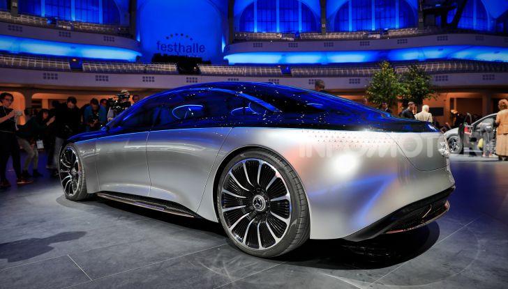 Mercedes-Benz Vision EQS: eleganza, tecnologia e prestazioni full electric - Foto 20 di 30