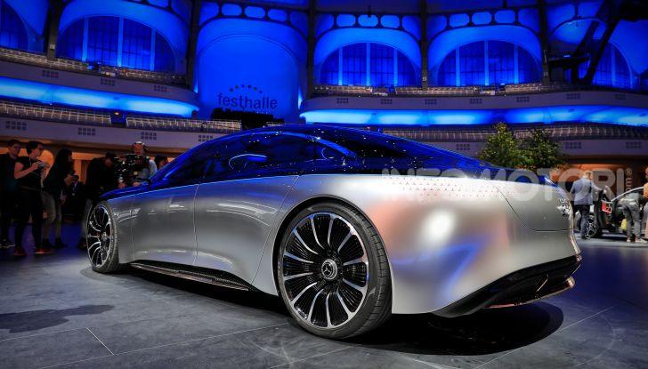 Mercedes-Benz Vision EQS: eleganza, tecnologia e prestazioni full electric - Foto 21 di 30