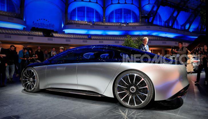 Mercedes-Benz Vision EQS: eleganza, tecnologia e prestazioni full electric - Foto 22 di 30