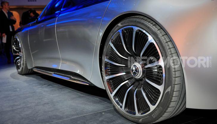Mercedes-Benz Vision EQS: eleganza, tecnologia e prestazioni full electric - Foto 7 di 30