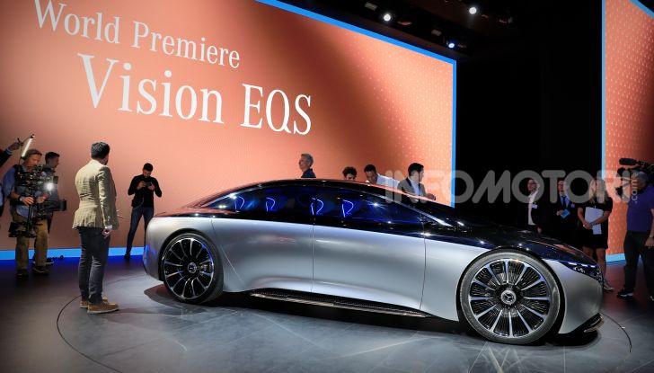 Mercedes-Benz Vision EQS: eleganza, tecnologia e prestazioni full electric - Foto 23 di 30
