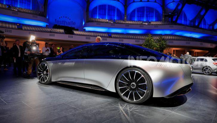 Mercedes-Benz Vision EQS: eleganza, tecnologia e prestazioni full electric - Foto 3 di 30