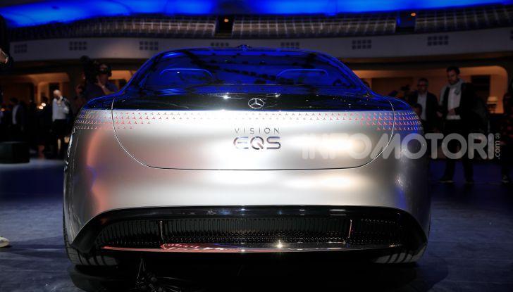 Mercedes-Benz Vision EQS: eleganza, tecnologia e prestazioni full electric - Foto 27 di 30