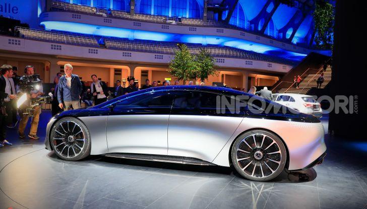 Mercedes-Benz Vision EQS: eleganza, tecnologia e prestazioni full electric - Foto 28 di 30