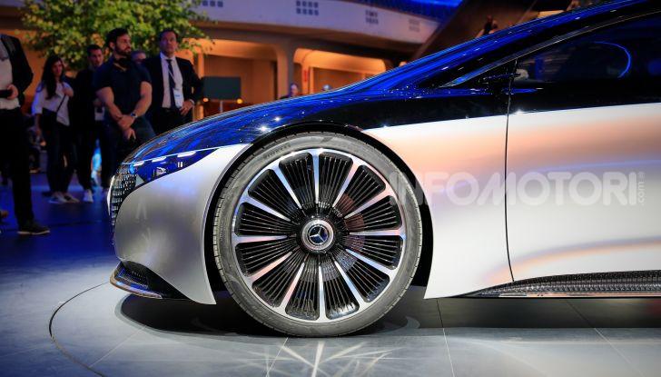 Mercedes-Benz Vision EQS: eleganza, tecnologia e prestazioni full electric - Foto 29 di 30