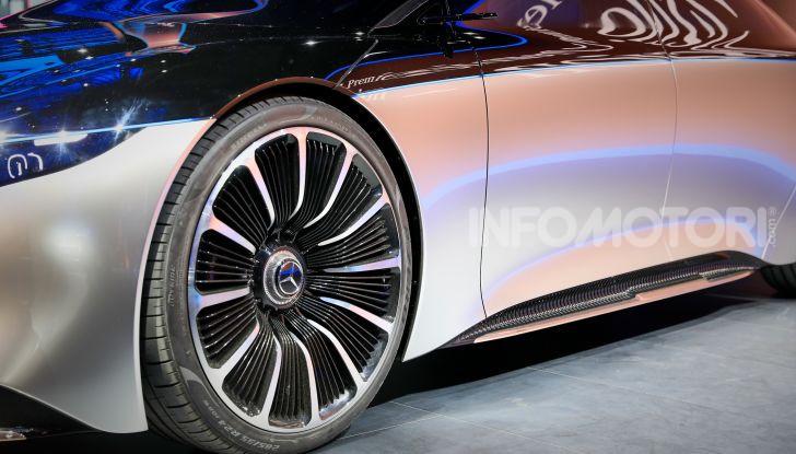 Mercedes-Benz Vision EQS: eleganza, tecnologia e prestazioni full electric - Foto 5 di 30