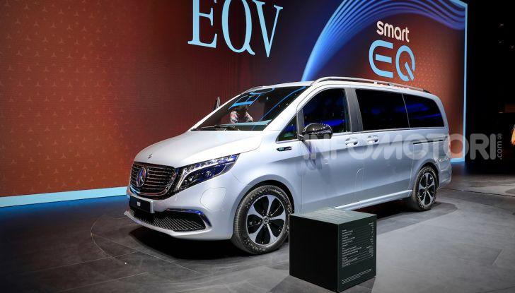 Mercedes Concept EQV: il primo monovolume premium 100% elettrico - Foto 15 di 16