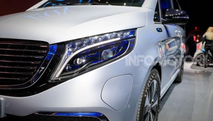 Mercedes Concept EQV: il primo monovolume premium 100% elettrico - Foto 3 di 16