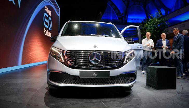 Mercedes Concept EQV: il primo monovolume premium 100% elettrico - Foto 5 di 16