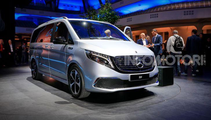Mercedes Concept EQV: il primo monovolume premium 100% elettrico - Foto 1 di 16