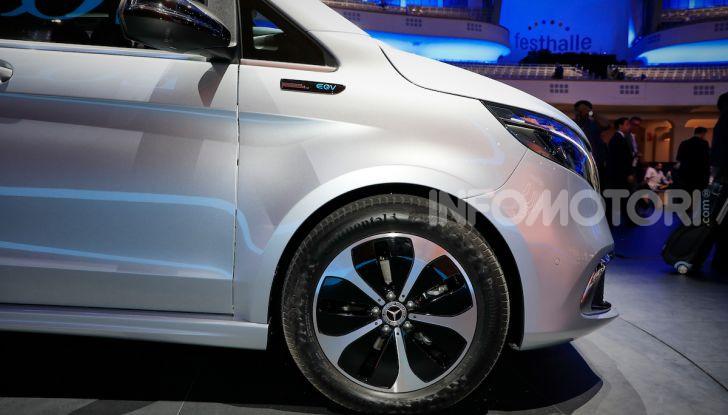 Mercedes Concept EQV: il primo monovolume premium 100% elettrico - Foto 7 di 16