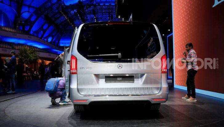 Mercedes Concept EQV: il primo monovolume premium 100% elettrico - Foto 11 di 16