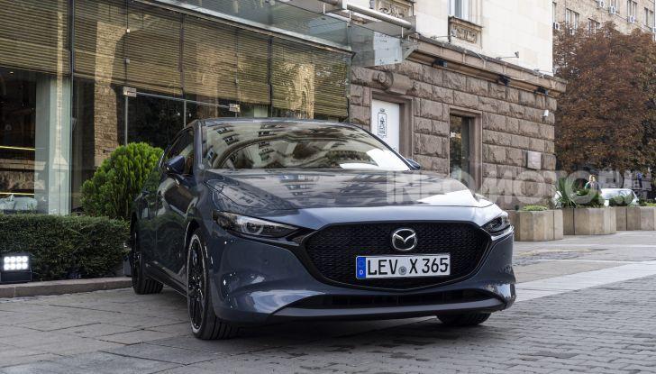 Nuova Mazda 3 Skyactiv-X prova su strada, motori e prezzi - Foto 1 di 8