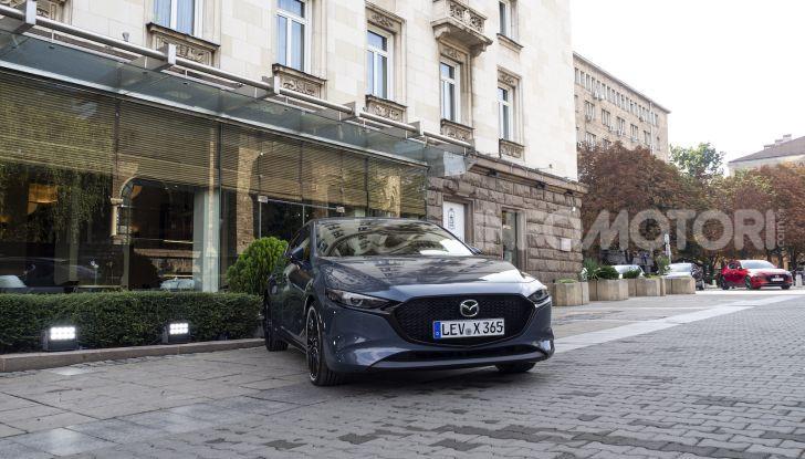 Nuova Mazda 3 Skyactiv-X prova su strada, motori e prezzi - Foto 6 di 8