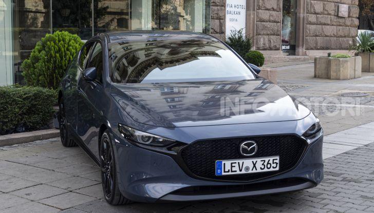 Nuova Mazda 3 Skyactiv-X prova su strada, motori e prezzi - Foto 7 di 8