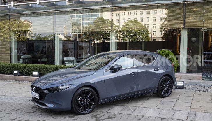 Nuova Mazda 3 Skyactiv-X prova su strada, motori e prezzi - Foto 4 di 8