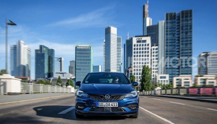 [VIDEO] Opel Astra 2019, prova su strada: nuovi motori, restyling e tecnologia - Foto 13 di 30