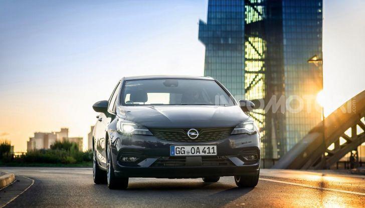 [VIDEO] Opel Astra 2019, prova su strada: nuovi motori, restyling e tecnologia - Foto 3 di 30