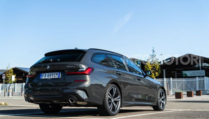[VIDEO] Prova su strada nuova BMW Serie 3 Touring: La regina è tornata! - Foto 2 di 35