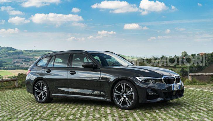 [VIDEO] Prova su strada nuova BMW Serie 3 Touring: La regina è tornata! - Foto 1 di 35