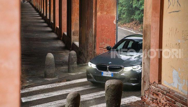 [VIDEO] Prova su strada nuova BMW Serie 3 Touring: La regina è tornata! - Foto 35 di 35