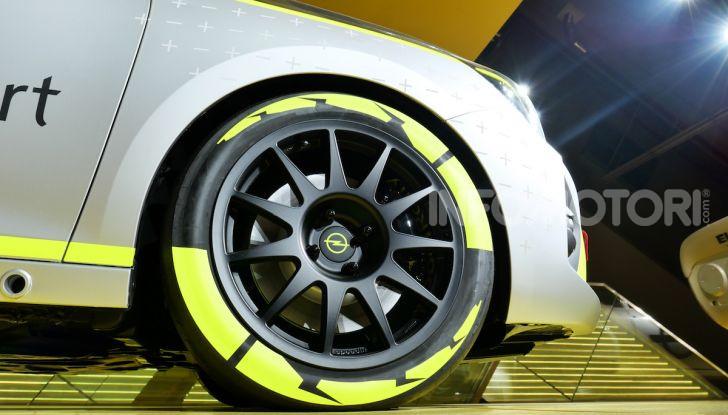 Opel Corsa-e, la prima auto da rally elettrica - Foto 8 di 17