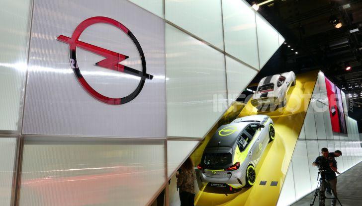 Opel Corsa-e, la prima auto da rally elettrica - Foto 14 di 17