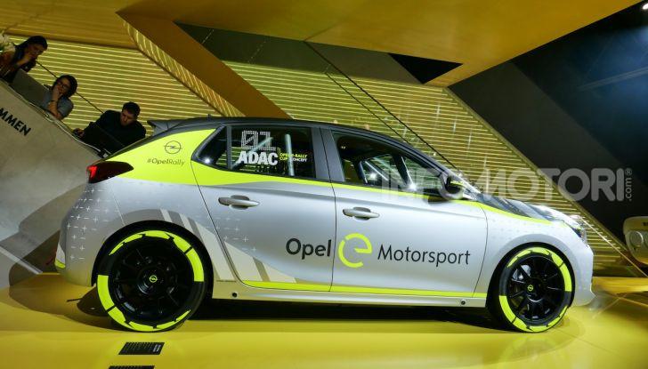 Opel Corsa-e, la prima auto da rally elettrica - Foto 11 di 17