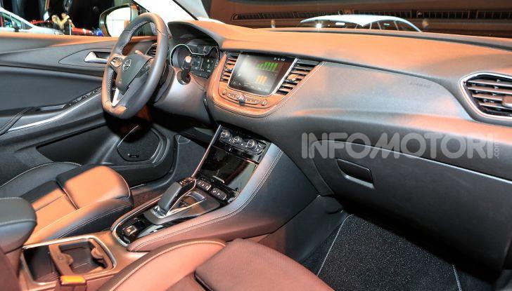 Opel Grandland X Plug-In Hybrid4: trazione integrale e poche emissioni - Foto 12 di 14