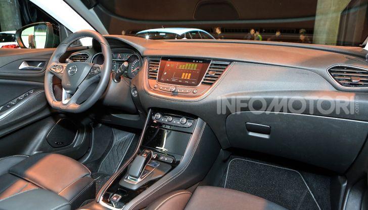 Opel Grandland X Plug-In Hybrid4: trazione integrale e poche emissioni - Foto 14 di 14
