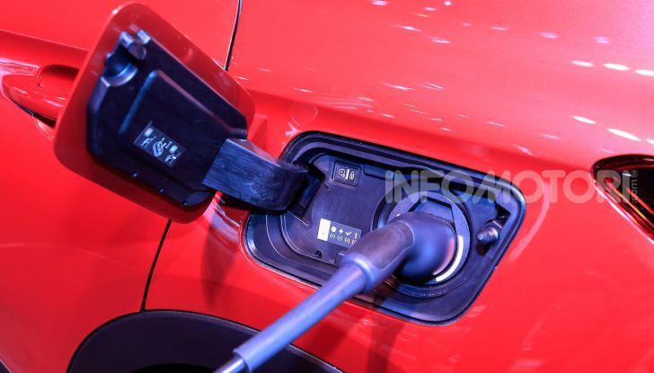 Opel Grandland X Plug-In Hybrid4: trazione integrale e poche emissioni - Foto 5 di 14