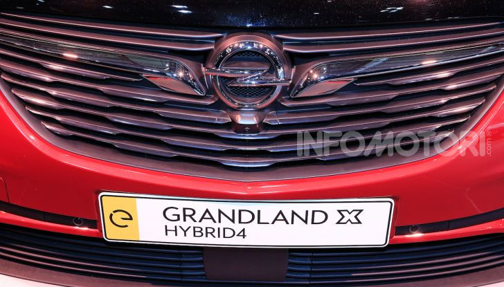 Opel Grandland X Plug-In Hybrid4: trazione integrale e poche emissioni - Foto 6 di 14