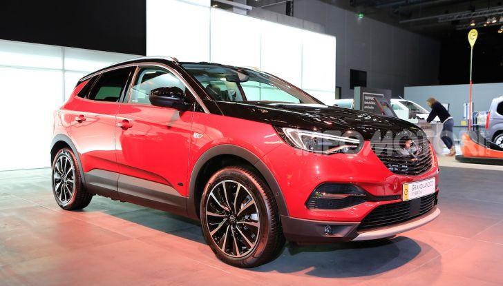 Opel Grandland X Plug-In Hybrid4: trazione integrale e poche emissioni - Foto 1 di 14