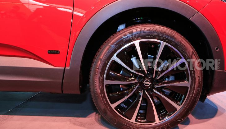 Opel Grandland X Plug-In Hybrid4: trazione integrale e poche emissioni - Foto 7 di 14