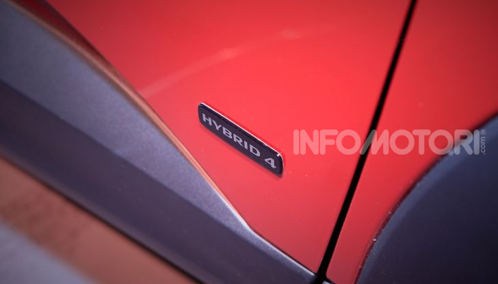 Opel Grandland X Plug-In Hybrid4: trazione integrale e poche emissioni - Foto 8 di 14