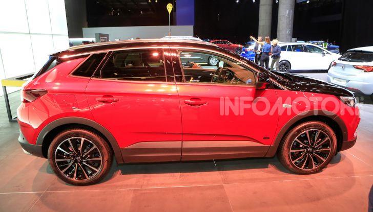 Opel Grandland X Plug-In Hybrid4: trazione integrale e poche emissioni - Foto 3 di 14