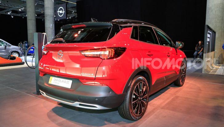 Opel Grandland X Plug-In Hybrid4: trazione integrale e poche emissioni - Foto 9 di 14