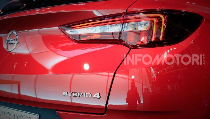 Opel Grandland X Plug-In Hybrid4: trazione integrale e poche emissioni - Foto 4 di 14