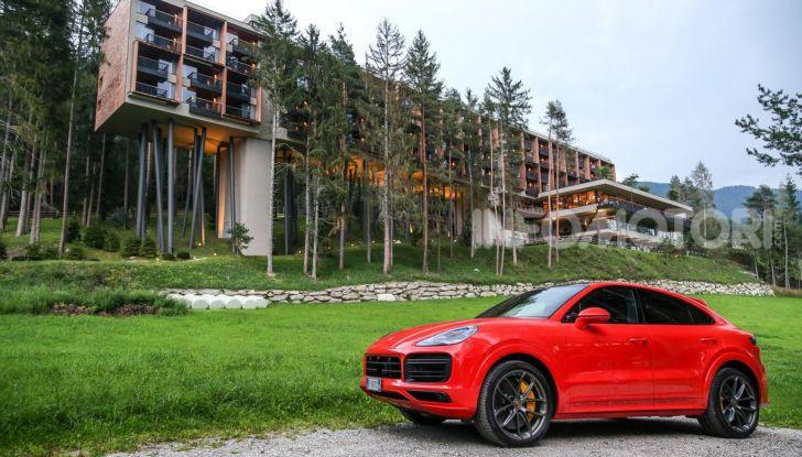 [VIDEO] Prova Porsche Cayenne Coupè 2019: il SUV sportivo ed elegante - Foto 14 di 25