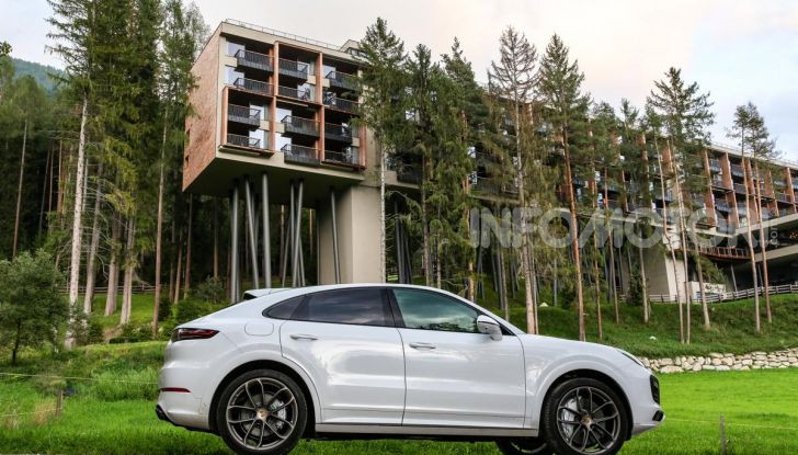 [VIDEO] Prova Porsche Cayenne Coupè 2019: il SUV sportivo ed elegante - Foto 5 di 25