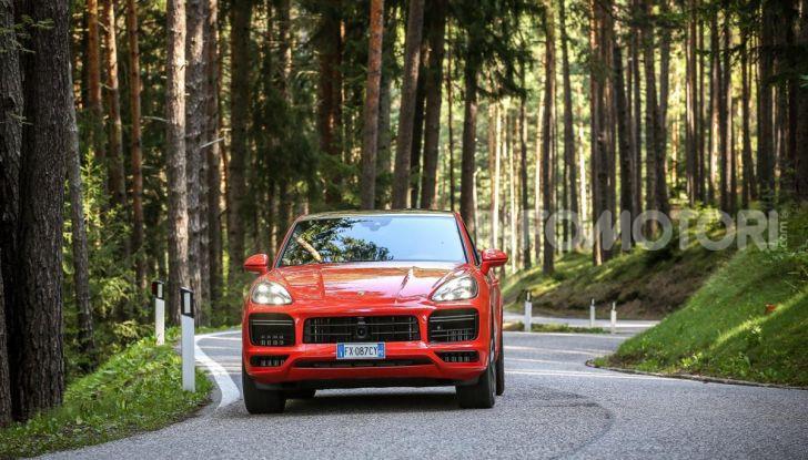 [VIDEO] Prova Porsche Cayenne Coupè 2019: il SUV sportivo ed elegante - Foto 2 di 25
