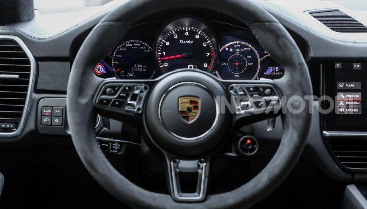 [VIDEO] Prova Porsche Cayenne Coupè 2019: il SUV sportivo ed elegante - Foto 23 di 25