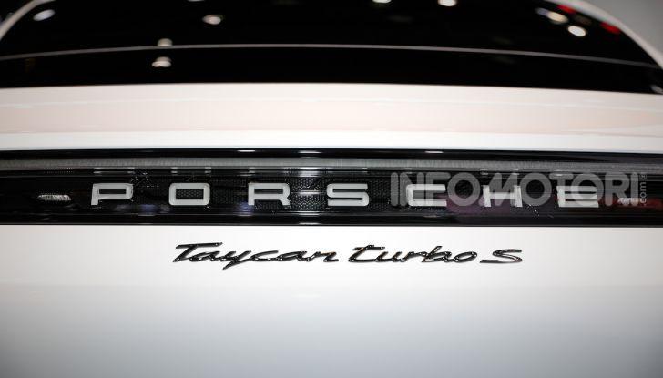 Porsche Taycan 2020, foto e dati della versione definitiva - Foto 13 di 33